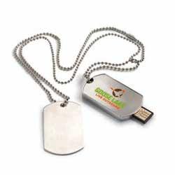 USB metálico 20 con placa militar 1